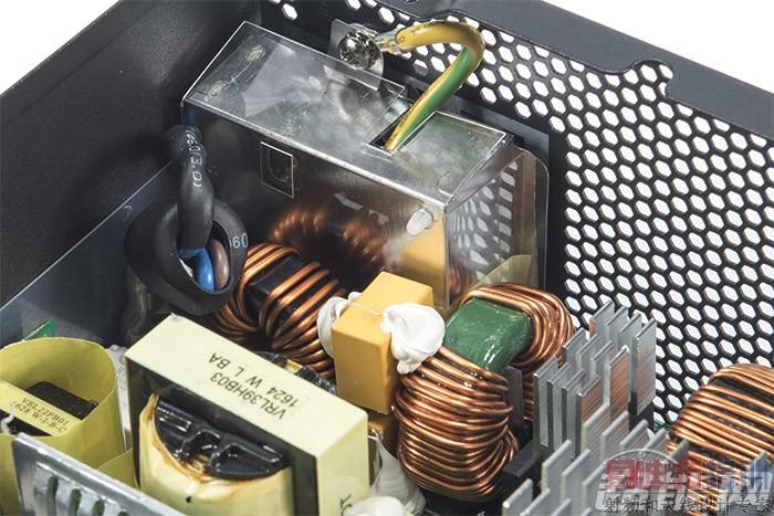 emi滤波电路主要由哪些元件组成?