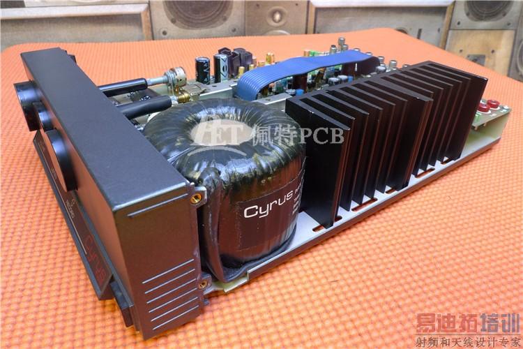 2、高发热器件加散热器、导热板当PCB中有少数器件发热量较大时(少于3个)时,可在发热器件上加散热器或导热管,当温度还不能降下来时,可采用带风扇的散热器,以增强散热效果。当发热器件量较多时(多于3个),可采用大的散热罩(板),它是按PCB板上发热器件的位置和高低而定制的专用散热器或是在一个大的平板散热器上抠出不同的元件高低位置。将散热罩整体扣在元件面上,与每个元件接触而散热。但由于元器件装焊时高低一致性差,散热效果并不好。通常在元器件面上加柔软的热相变导热垫来改善散热效果。 3、对于采用自由对流空气冷却