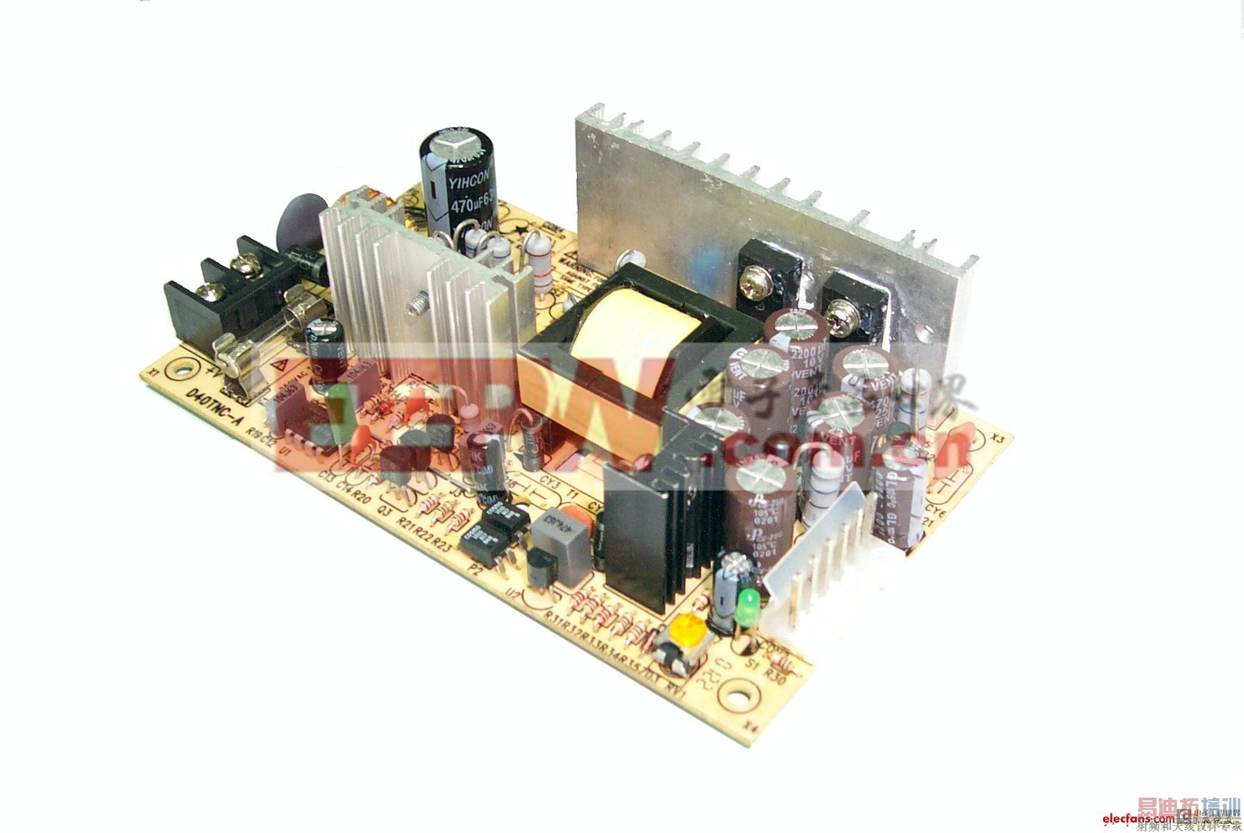 开关电源的布局   开关电源是利用现代电力电子技术,控制开关管开通和关断的时间比率,维持稳定输出电压的一种电源,开关电源一般由脉冲宽度调制(PWM)控制IC和MOSFET构成。   当设计高频开关电源时,布局非常重要。良好的布局可以解决这类电源的许多问题。因布局而出现的问题,通常在大电流时显现出来,并且在输入和输出电压之间的压差较大时更加明显。一些主要的问题是在大的输出电流和/或大的输入/输出电压差时调节能力的下降,在输出和开头波形上的额外噪声,以及不稳定性。应用下面的几个简单原则就可以把这类问题最